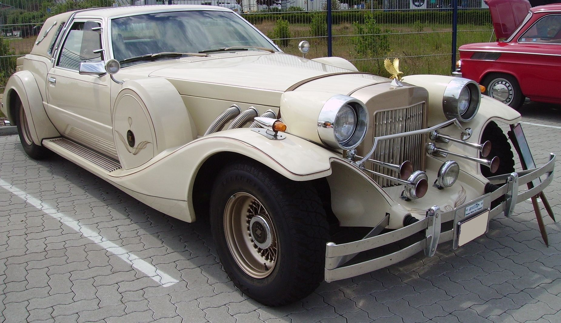 Zimmer Golden Spirit - Another retro-styled car company, this one ...