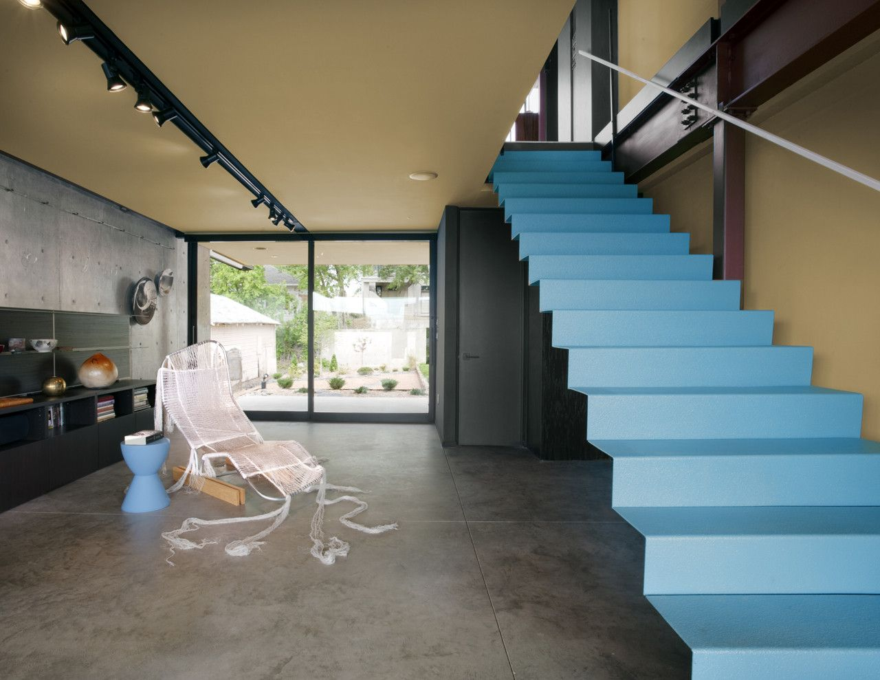 Fitzsimmons Architects Oklahoma Case Study House Blue Steel Staircase