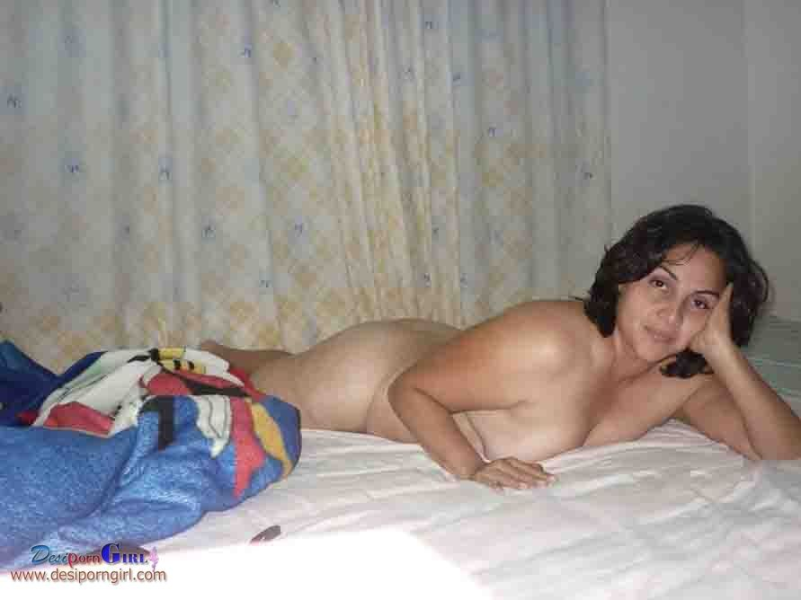 pale girls naked pussy