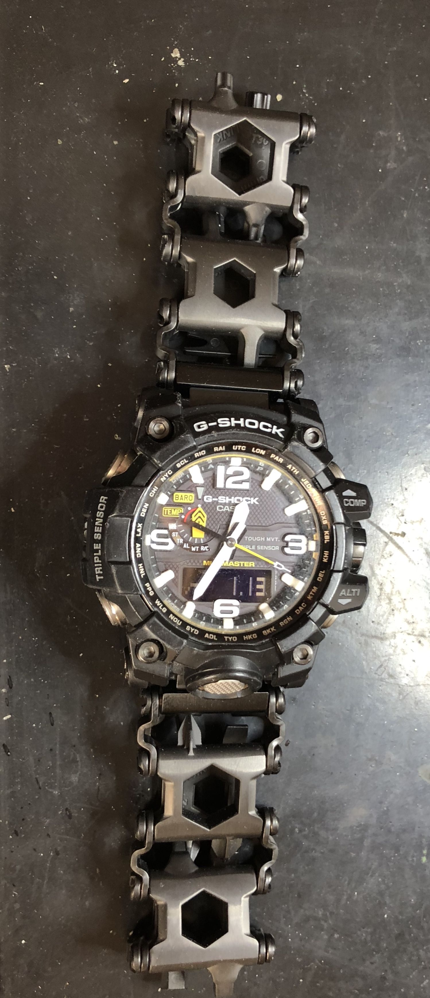 cbbe41715707 Casio Mudmaster on Leatherman Tread via 16mm Chronolinks