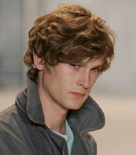 Pakistan S Man Hairstyles For Curly Hair: Mens Wavy Hairstyles