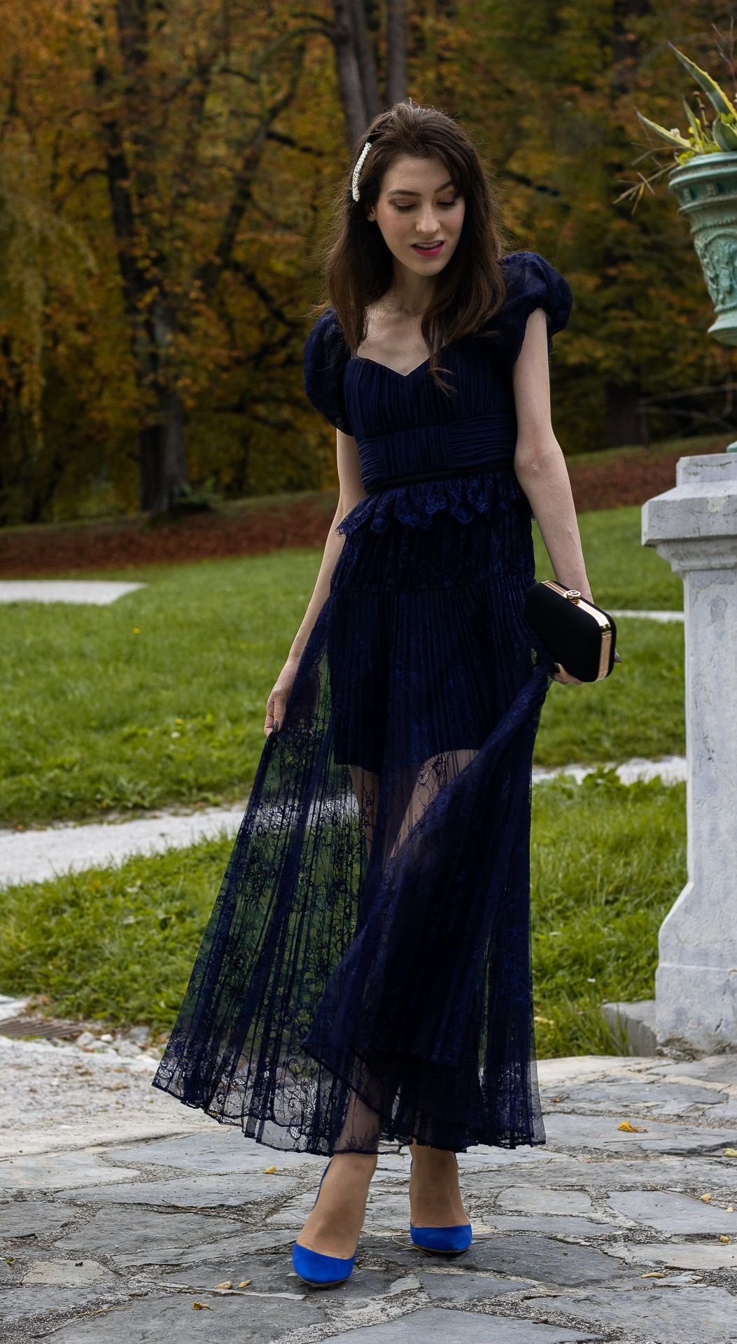 Black-tie wedding guest dress for Fall Wedding   Brunette from Wall Street #weddingguestdress