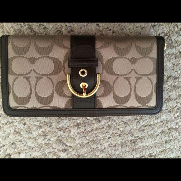 Coach Clutches & Wallets - Coach wallet