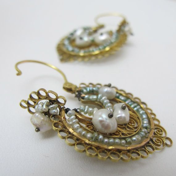 14kt Mexican Gold Filigree with Pearl Hoop Arracada Earrings Gold