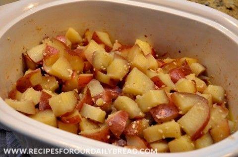 Crock-Pot Garlic Mashed Potatoes  http://recipesforourdailybread.com/2012/09/04/crock-pot-garlic-mashed-potatoes/