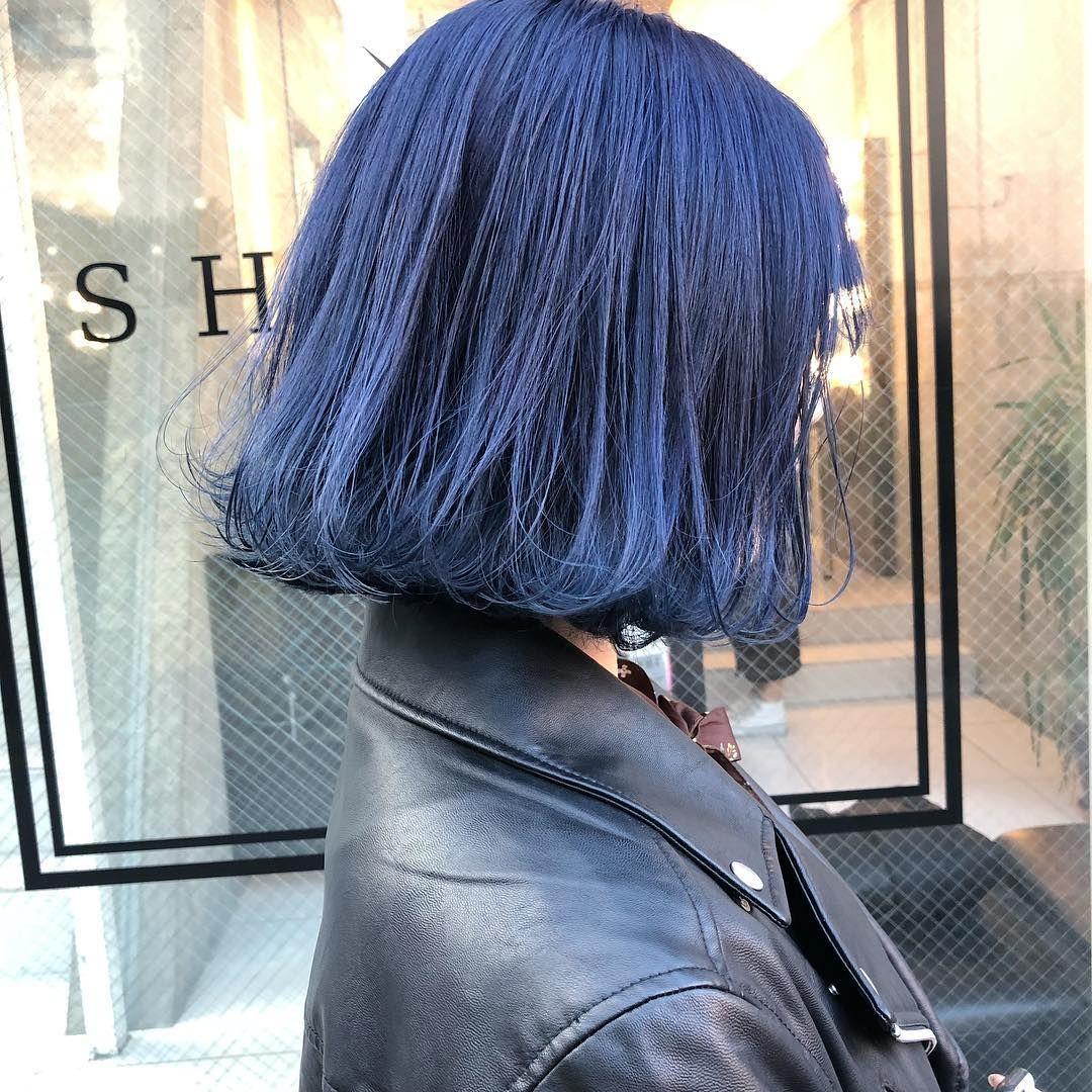 ネイビーブルー ネイビーでも青さを出すのはブリーチ2回は必要です 午前10時 土日20時 カット無料 パーマ2000円でやります ヘアカラー ハイトーンカラー ネイビーカラー 髪 色 ヘアカラー ブルー 短い髪のためのヘアスタイル