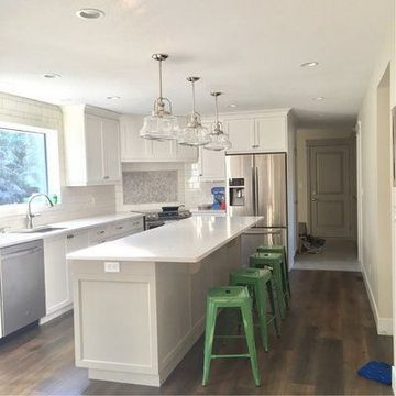 Galley Kitchen Remodel Ideas 2019 #small #remodel #ideas #rug #withisland #beforeandafter #farmhouse #layout