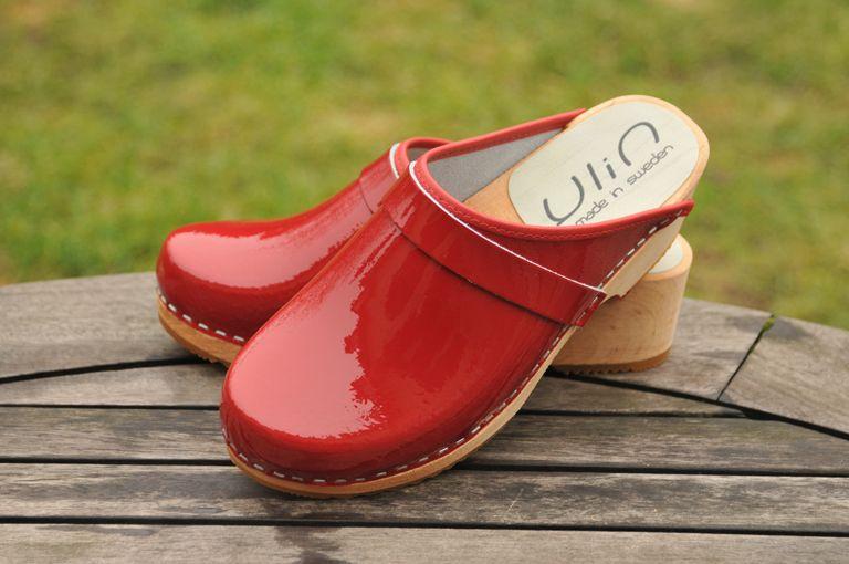Sabots suédois Ylin rouge vernis Wooden Sandals, Suede, Clogs, Erotic, High  Heels dbd9c4e089a1