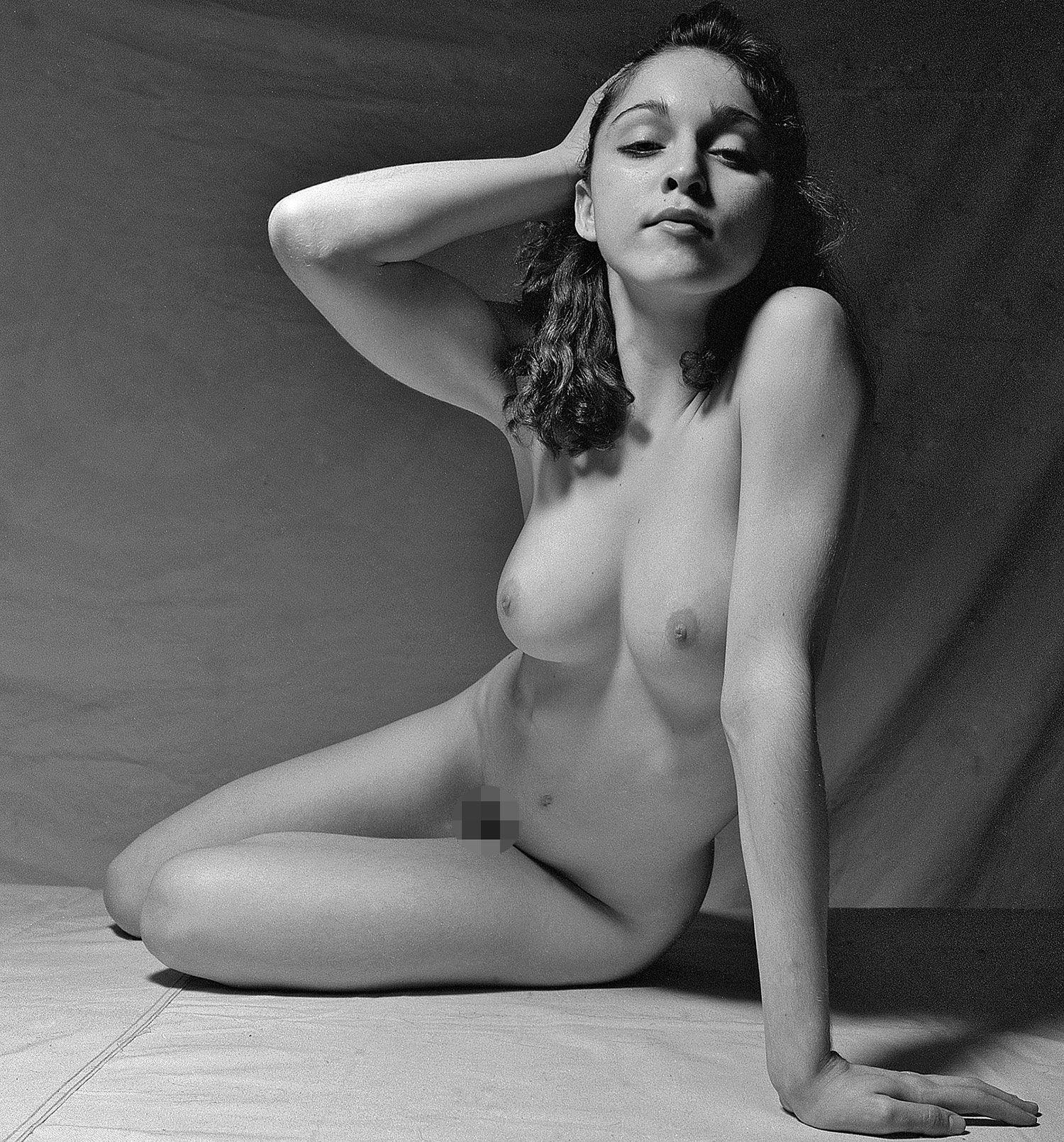 Nude mature african women