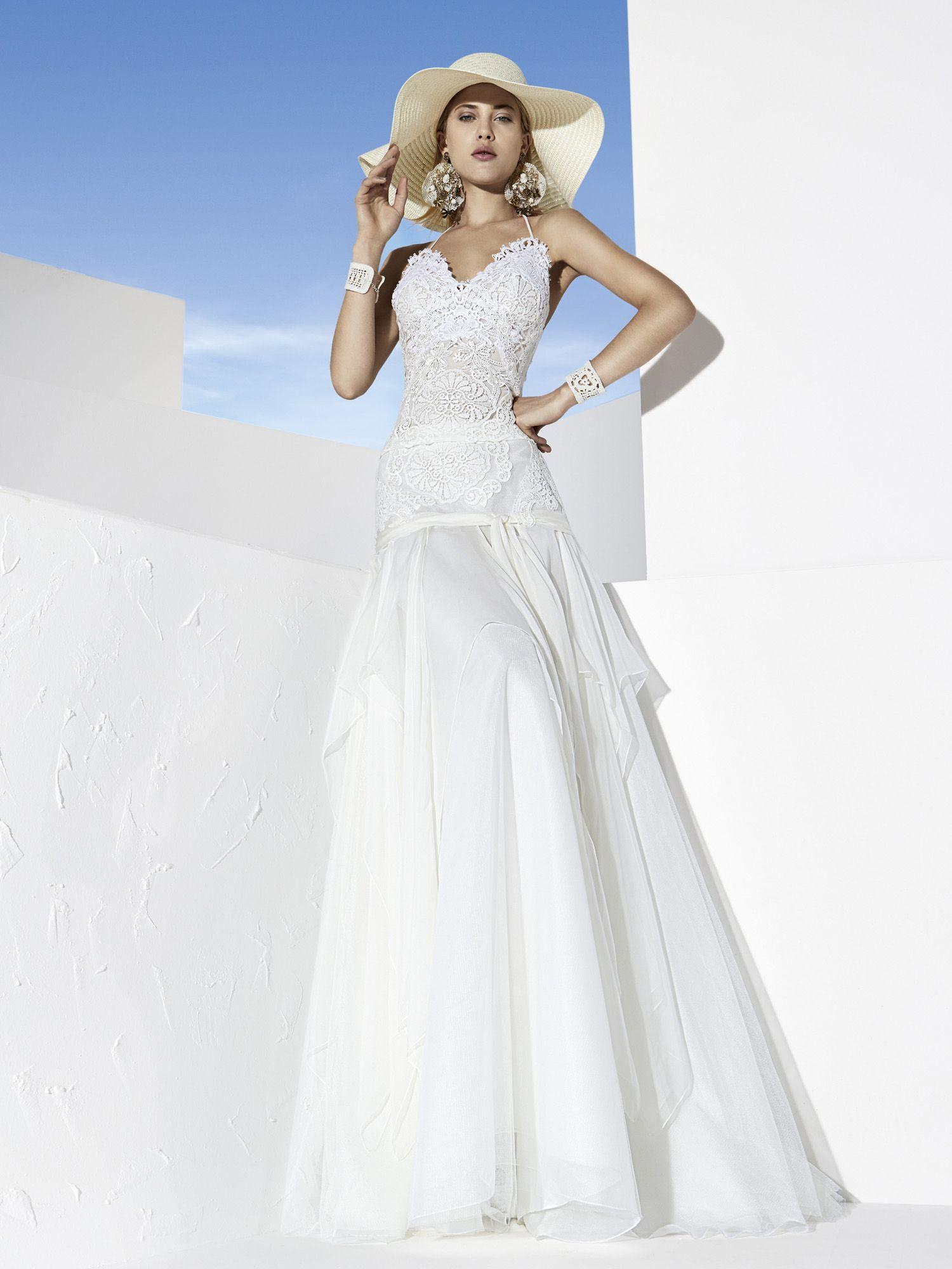 Eibar wedding dress by YolanCris | Boho chic wedding dresses