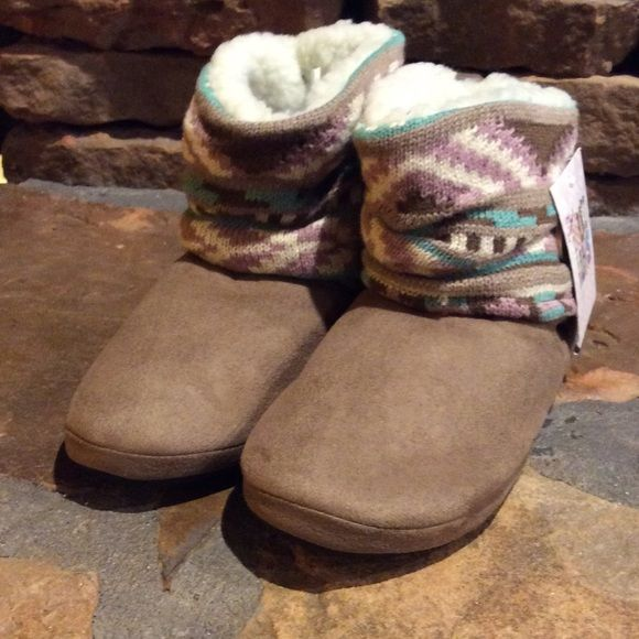 Nwt Scrunch Slipper Boots Faux Suede Uppers With A Knit Top