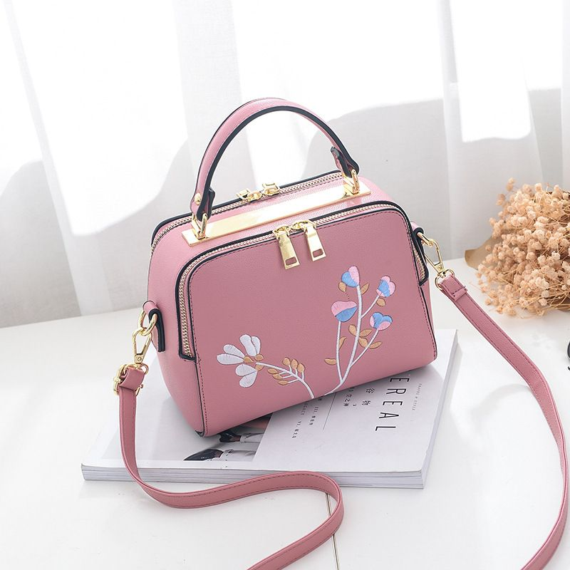 82448c7d7761 Leather · Pu Leather Embroidery Women Handbag Fashion Designer Female  Evening Bags Ladies Shoulder Messenger Purse ...