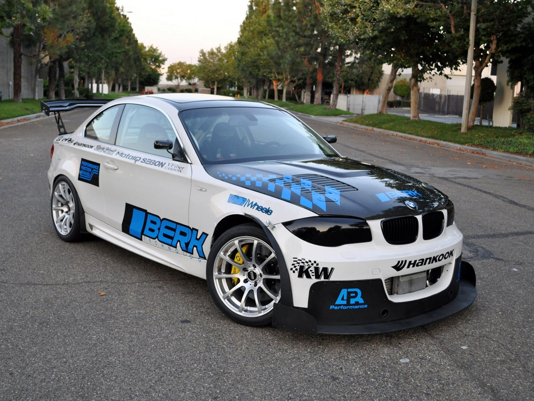 Bmw 1 Series E82 All Racing Cars Bimmer Bmw 1 Series Bmw Cars