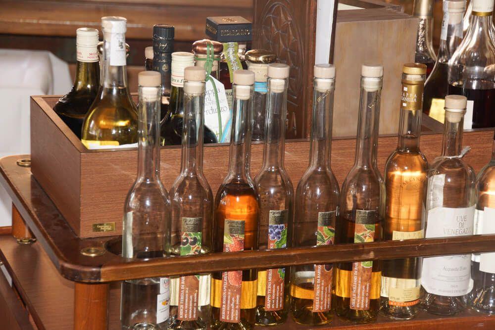 BARGA Restaurant - gut bestückte Bar