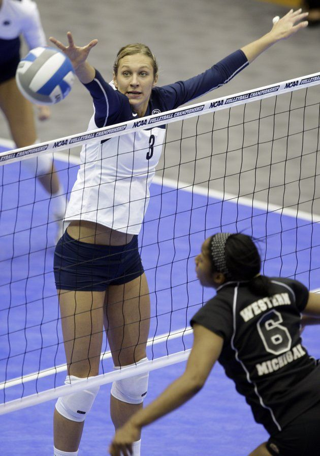 Christa Harmotto Middle Blocker Omg Look How High She Is Compared To The Net That S Incredib Women Volleyball Volleyball Photography Volleyball Inspiration