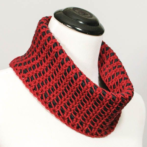 Reversible Colorplay Cowl - Free Crochet Pattern | Things to Wear ...