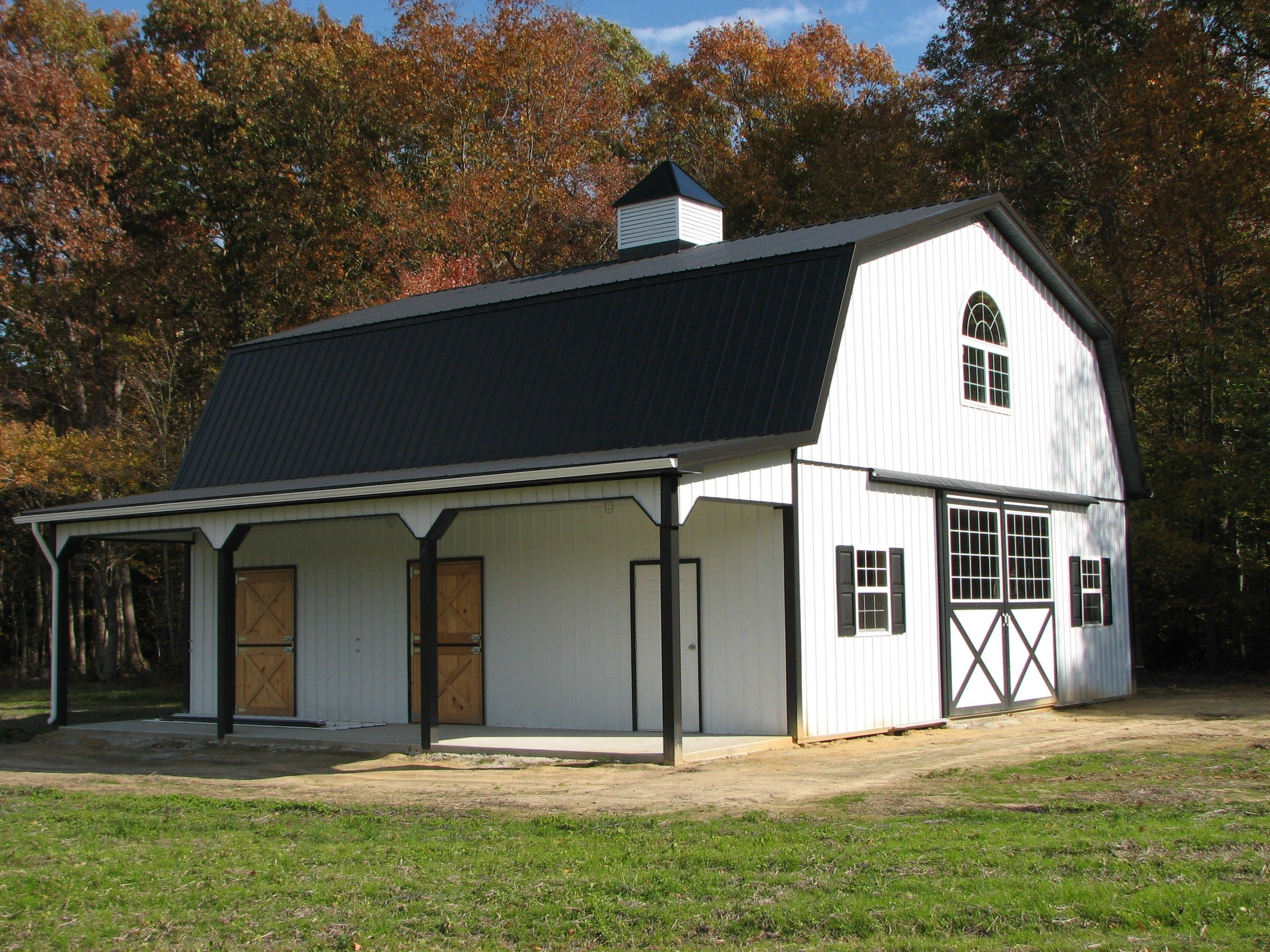 Flexible and adaptable pole barn house plans for you for Gambrel roof barn kits
