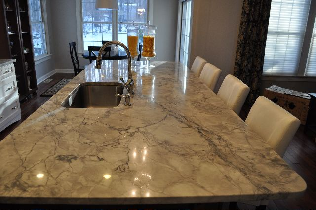 Quartzite 101 Quartzite Great Rooms Marble Countertops