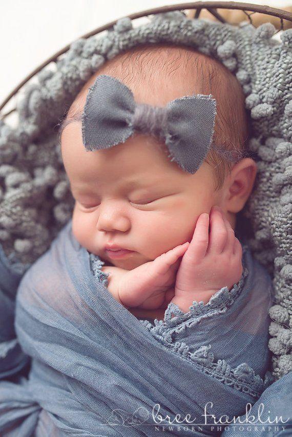 Graue Leinen Bogen Baby Blumen Stirnband, Neugeborene Stirnband, Baby Blumen Sti...