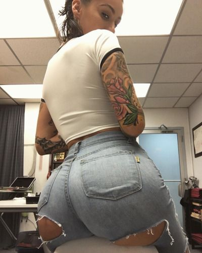 Alby Rydes Has A Surprise Booty