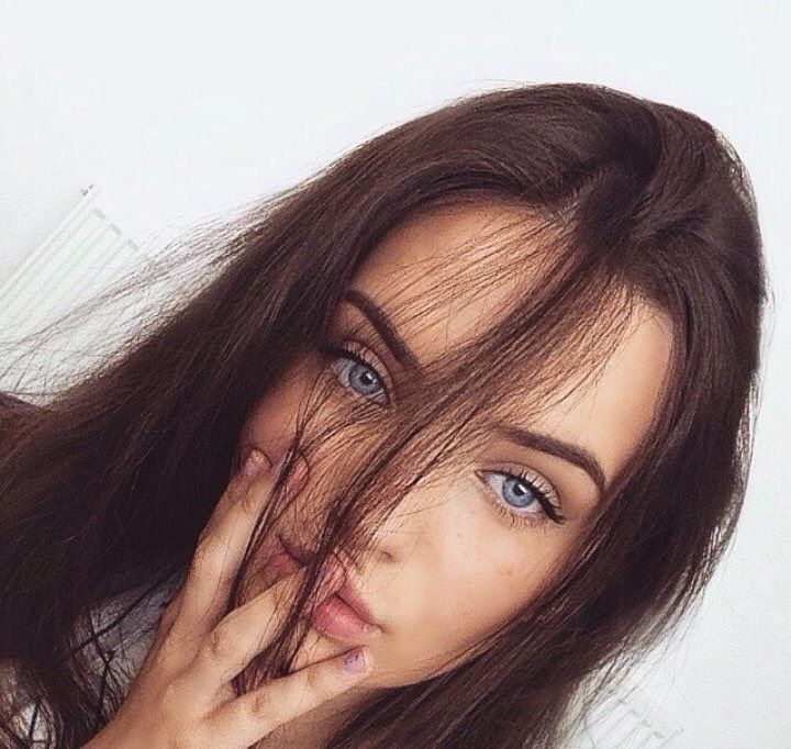 Pin By Sarah On Selfies Ig Inspiration Brown Hair Blue Eyes
