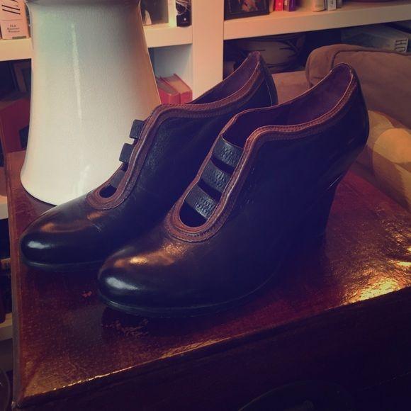 Shop Everybody By BZ Moda Pabba Women Round Toe Leather