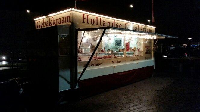 Hollandse gebakkraam Deventer 15 December 2014 - Foto : Moric van der Meer