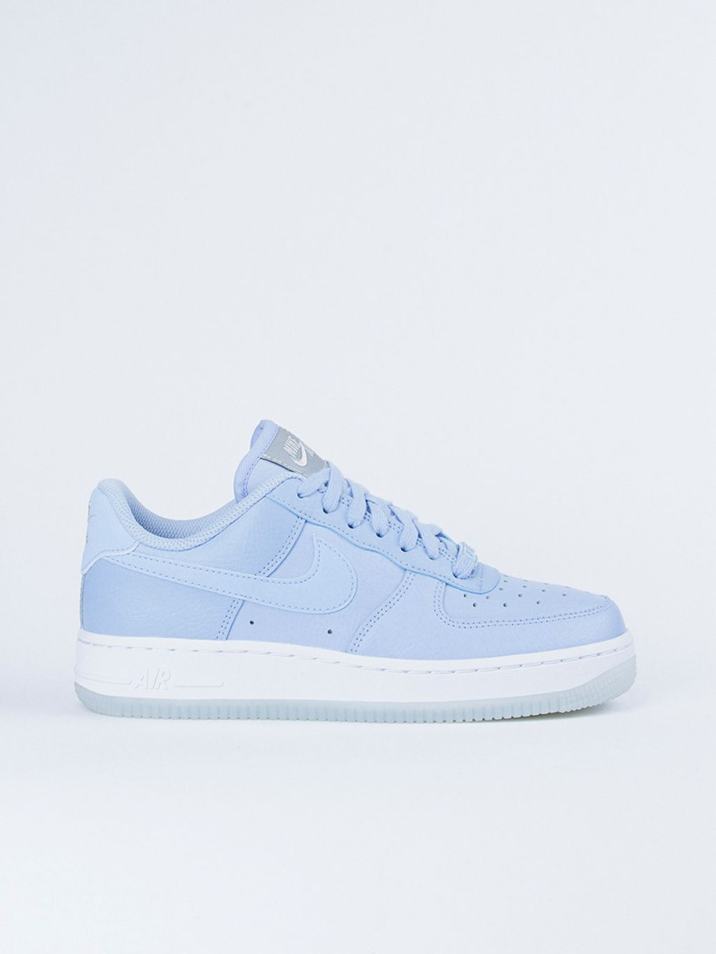 cheap for discount 67cc5 b6c5d Wmns Air Force 1  07 ESS Aluminum White - Nike