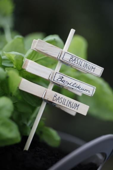 Dekorative Pflanzenstecker selber basteln