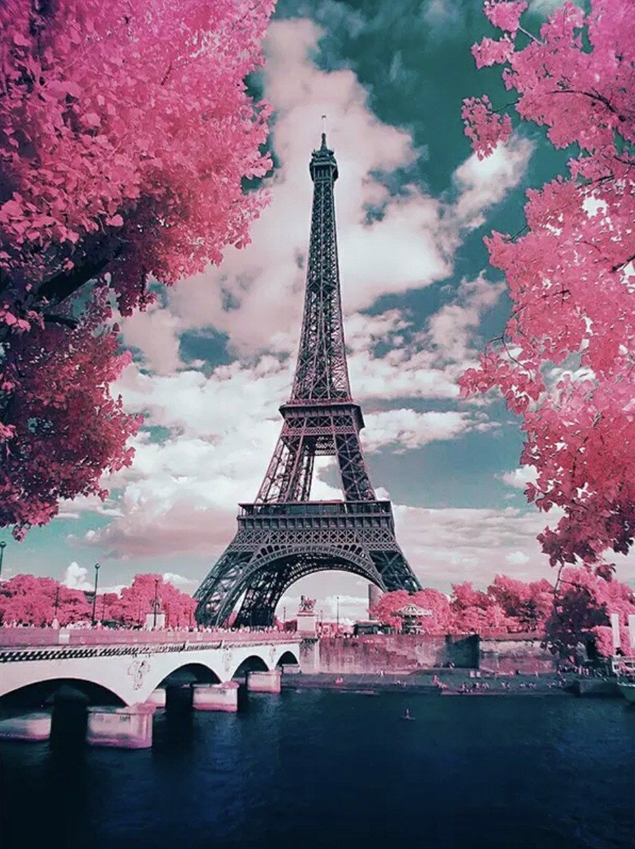 I M Feeling Pink Paris Eiffel Tower Pink Paris Eiffeltower Travelingchick Travel Traveling Paris Wallpaper Eiffel Tower Tour Eiffel