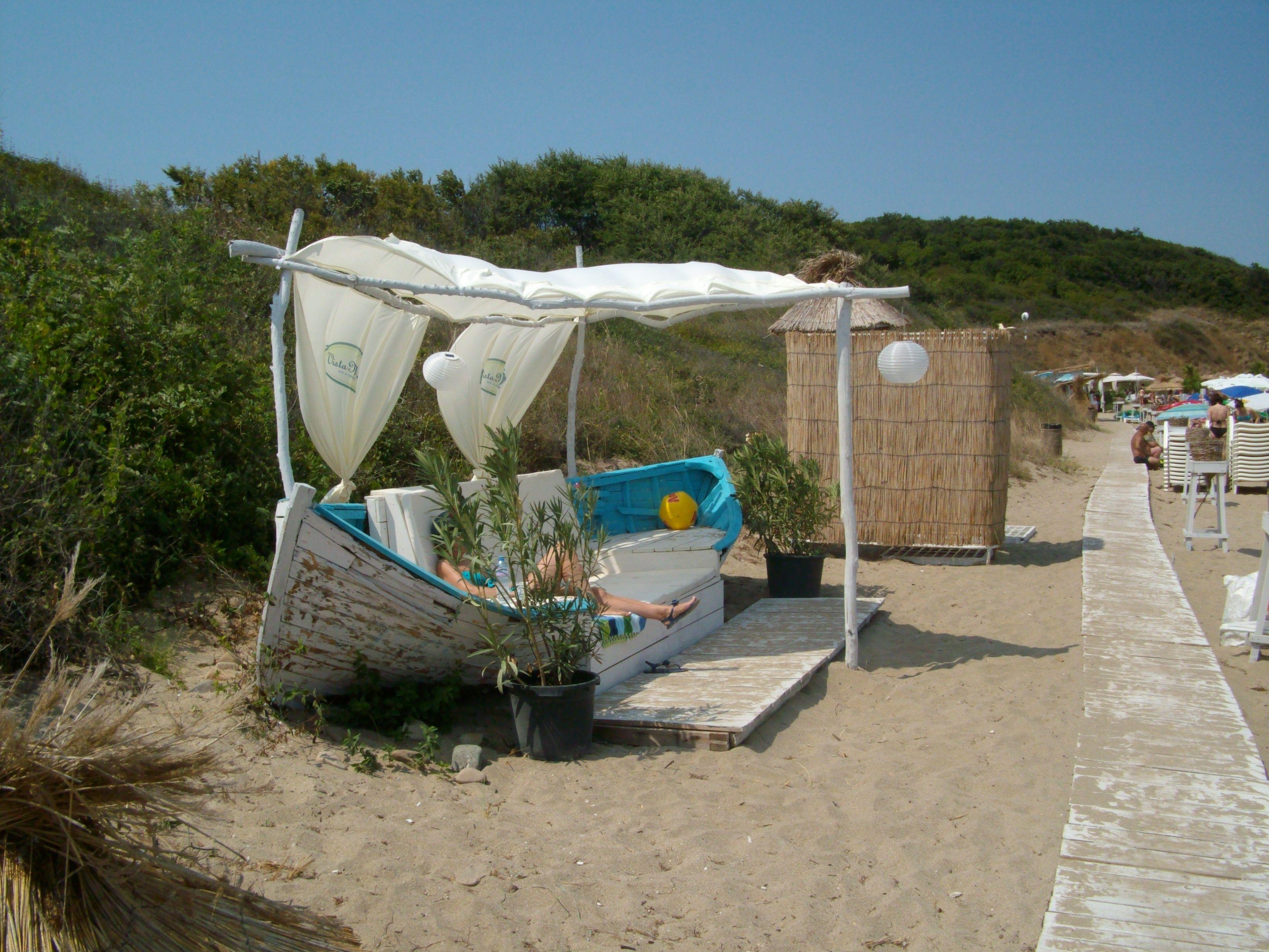 Pin Von Dinko Parashkevov Auf Boat Strandhausdekor Alte Boote Gartendekoration