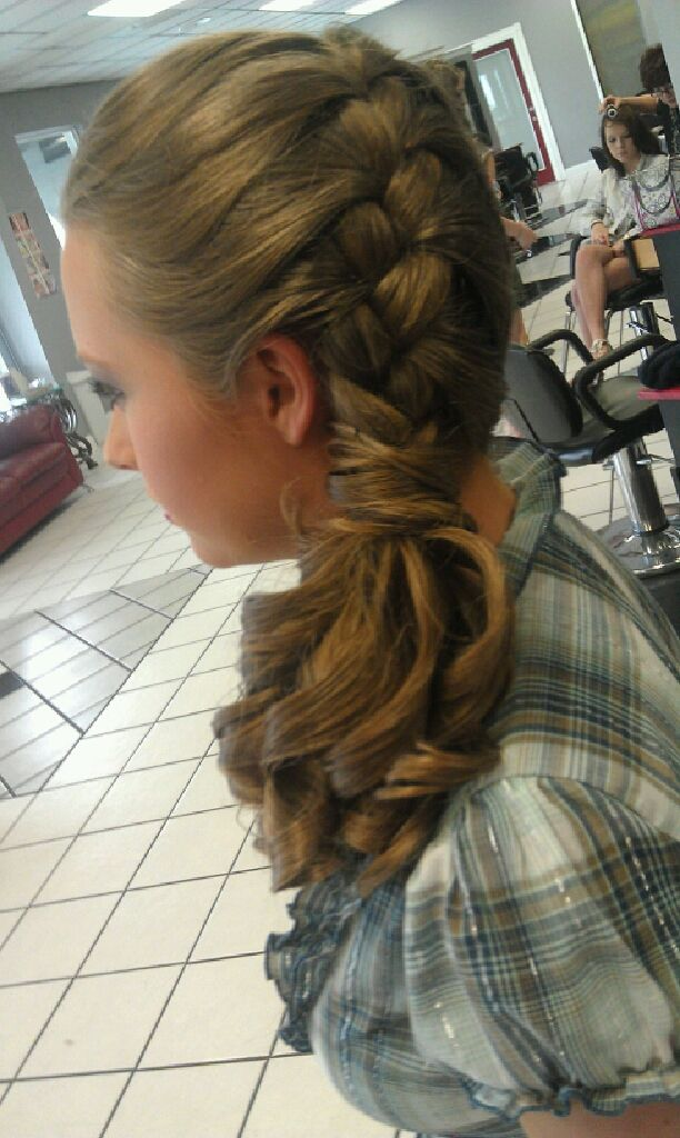 Junior bridesmaid idea | Hairstyles | Pinterest