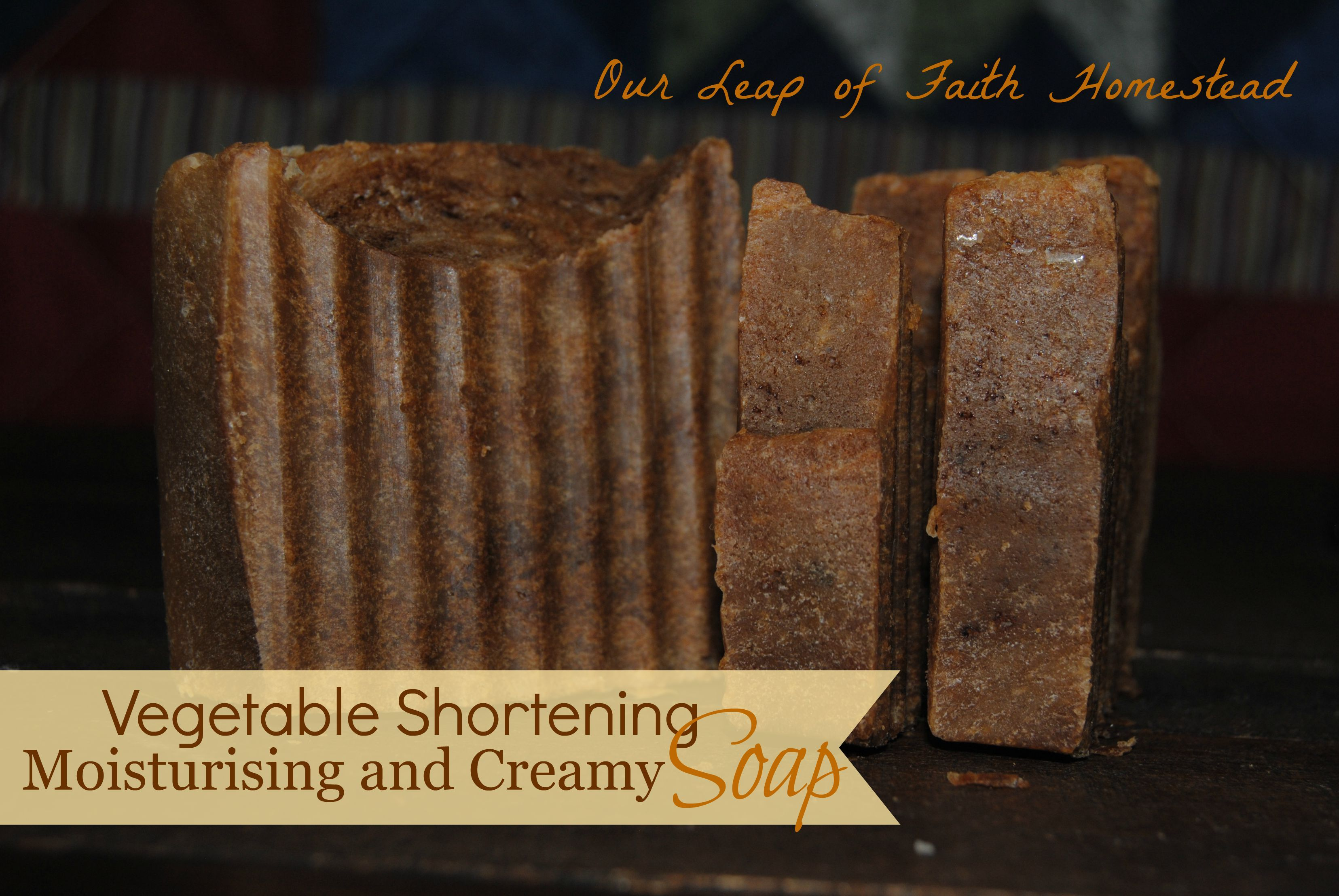Simple recipe for soap with vegetable shortening as the main ingredient. Can be made with either cold process or hot process.  http://ourleapoffaithhomestead.blogspot.com/2015/09/soap-recipe-with-vegetable-shortening.html