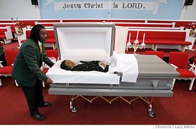 Left Eye Funeral with an Open Casket | Celebrity ...
