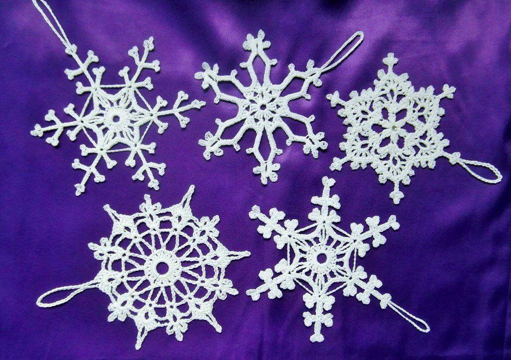 Fiocchi di neve decorazioni di natale fatti a mano by for Lavori natalizi uncinetto