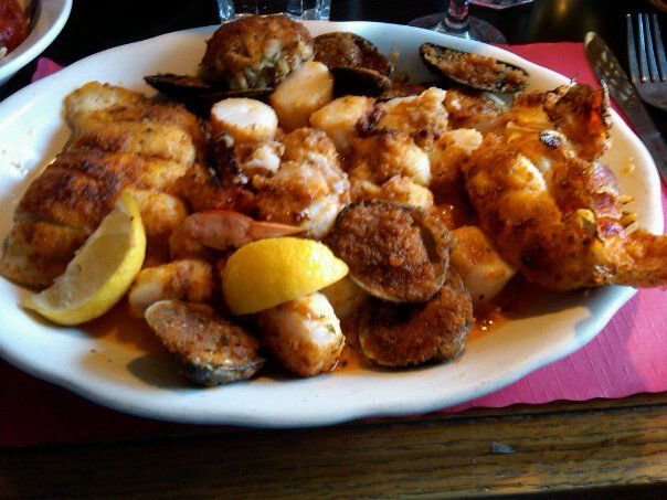 Broiled Seafood Combo The Original Crab Shanty City Island Bronx Ny Food For Thought Food Eating At Night