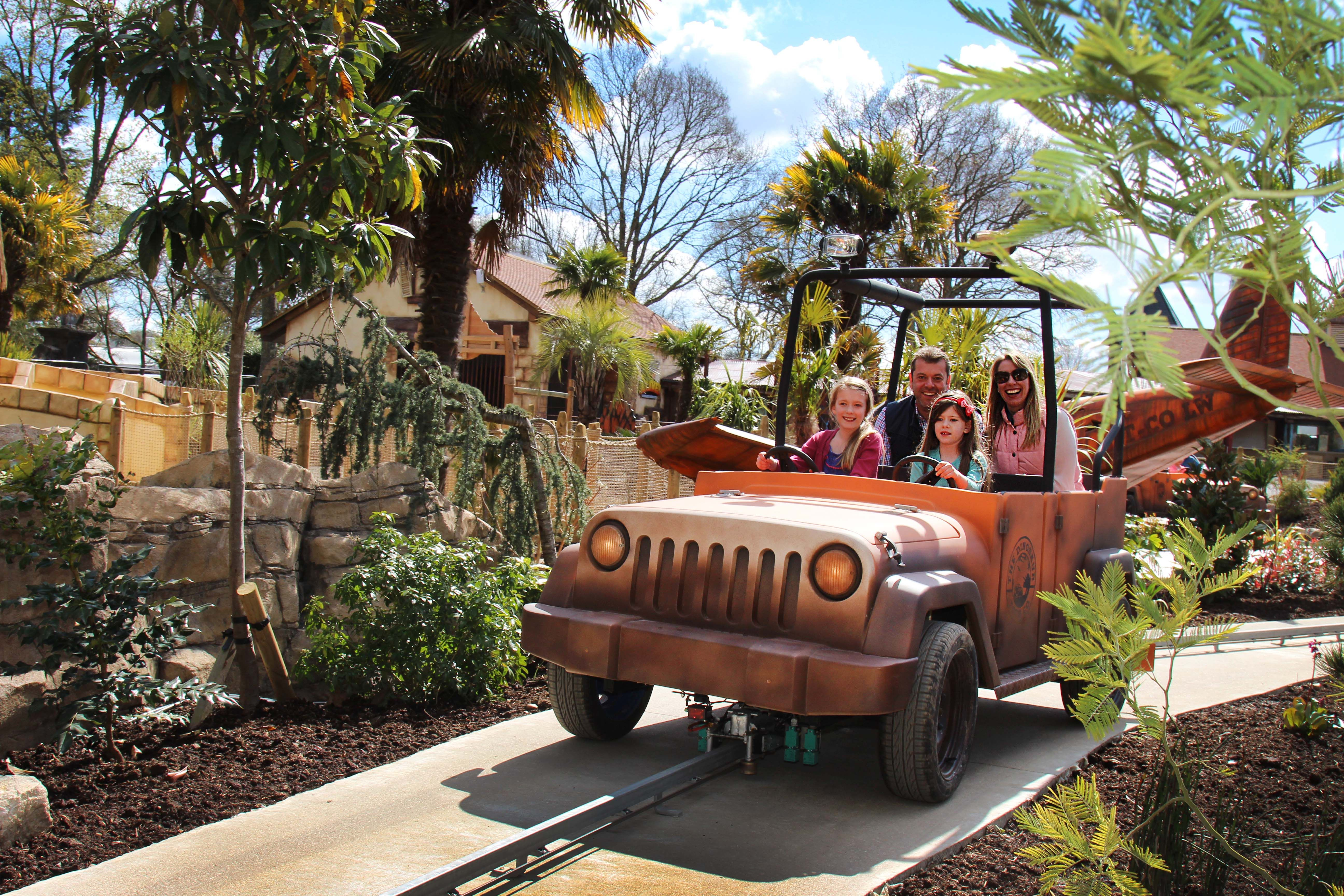 Dinosaur Tour Co. > A jeep expedition ride in Lost Kingdom Dinosaur ...