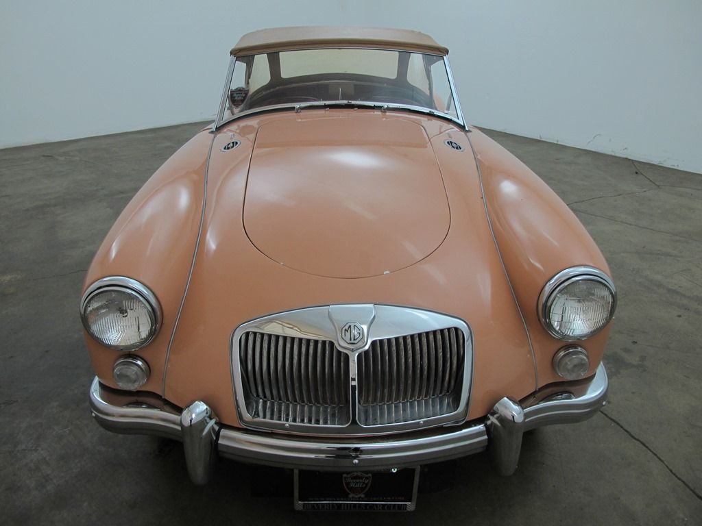 1961 MGA 1600, salmon with red interior, comes with side
