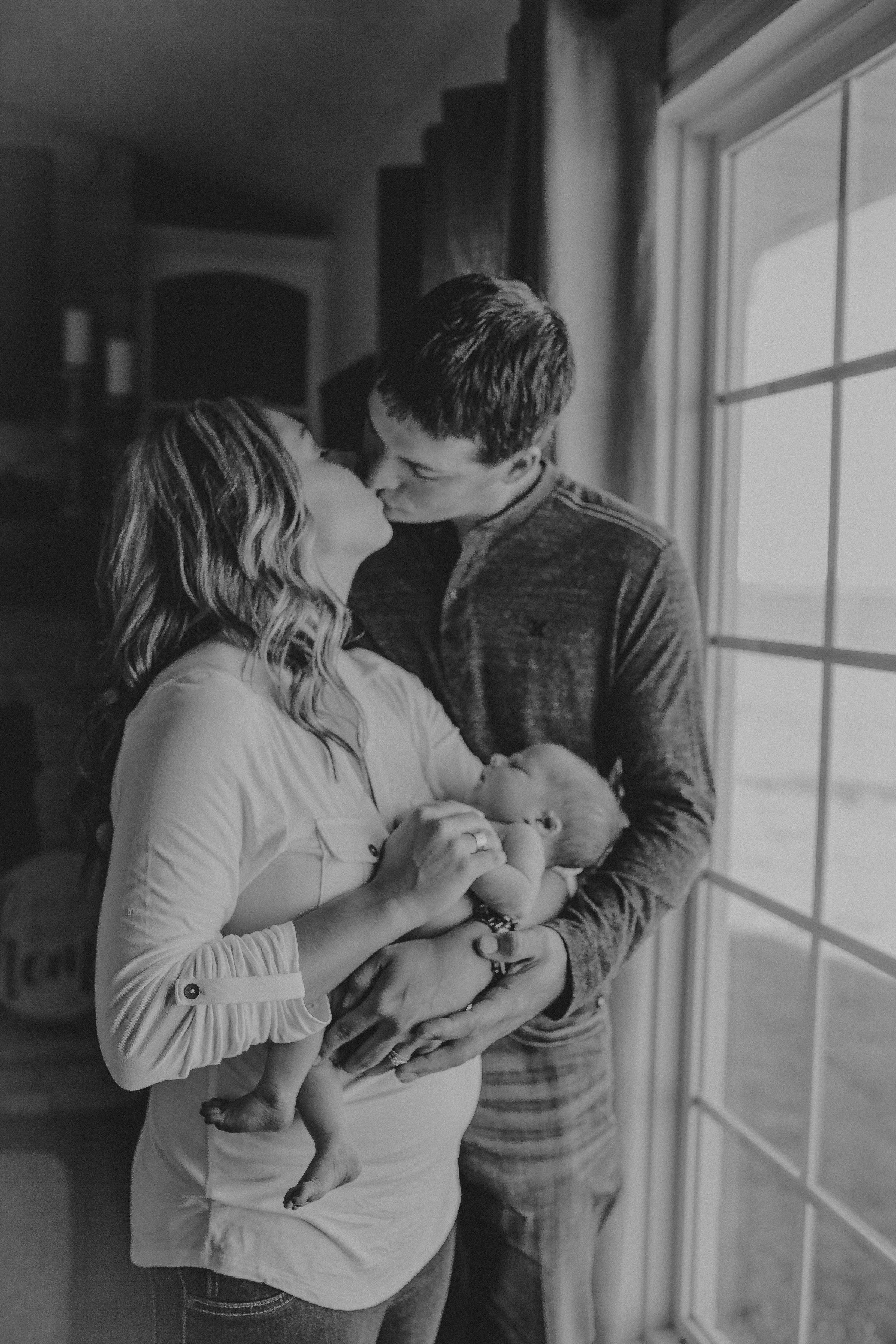 Rhetts lifestyle newborn session family photography