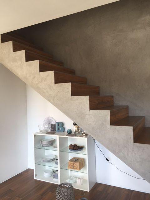 Sichtbeton Spachtel treppe mit spachtel in sichtbeton oberfläche fliese eichenoptik