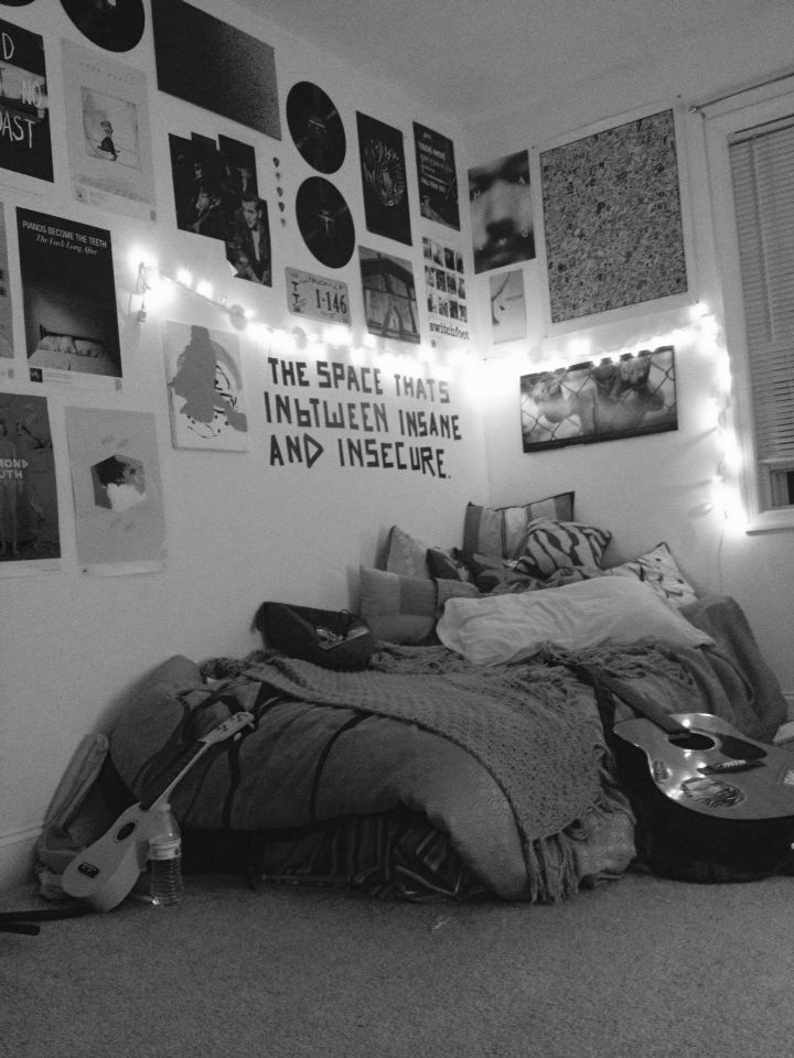 Pin By Jeon Lili On Fairy Lights Decoration Grunge Bedroom Hipster Bedroom Aesthetic Bedroom