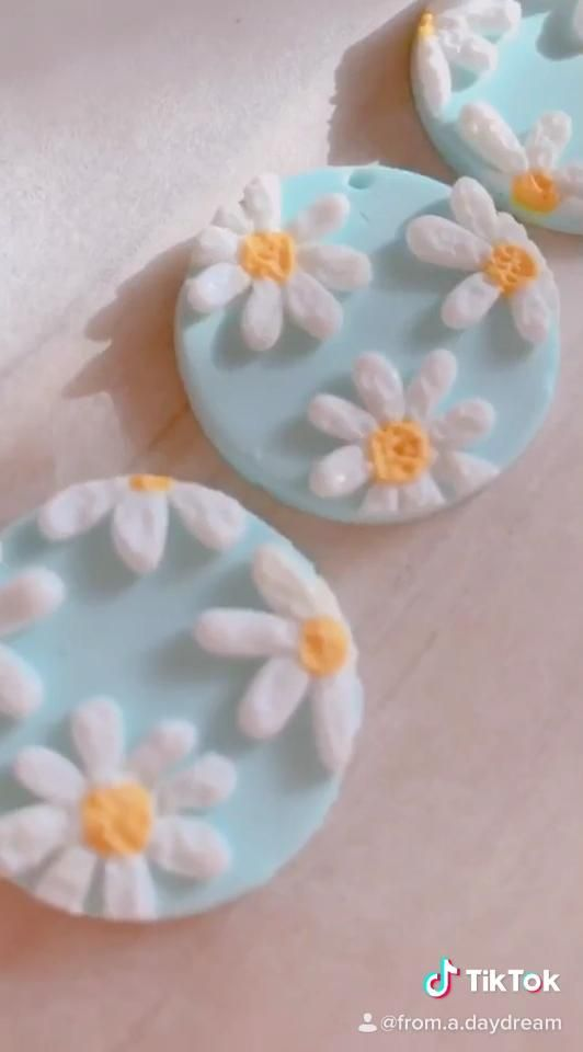 Polymer clay earrings 🌻