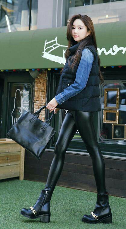 d1c7d0675313f Asian Women in PVC | L1 in 2019 | Lederbekleidung, Leder leggings, Leder
