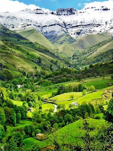 Valle del Pisuena Spain