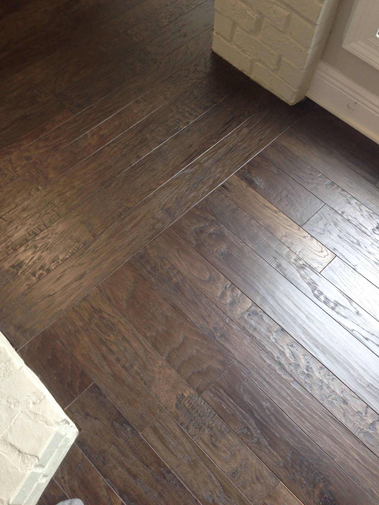 Hardwood Floors Borders Between Rooms | ... floor runs the other ...