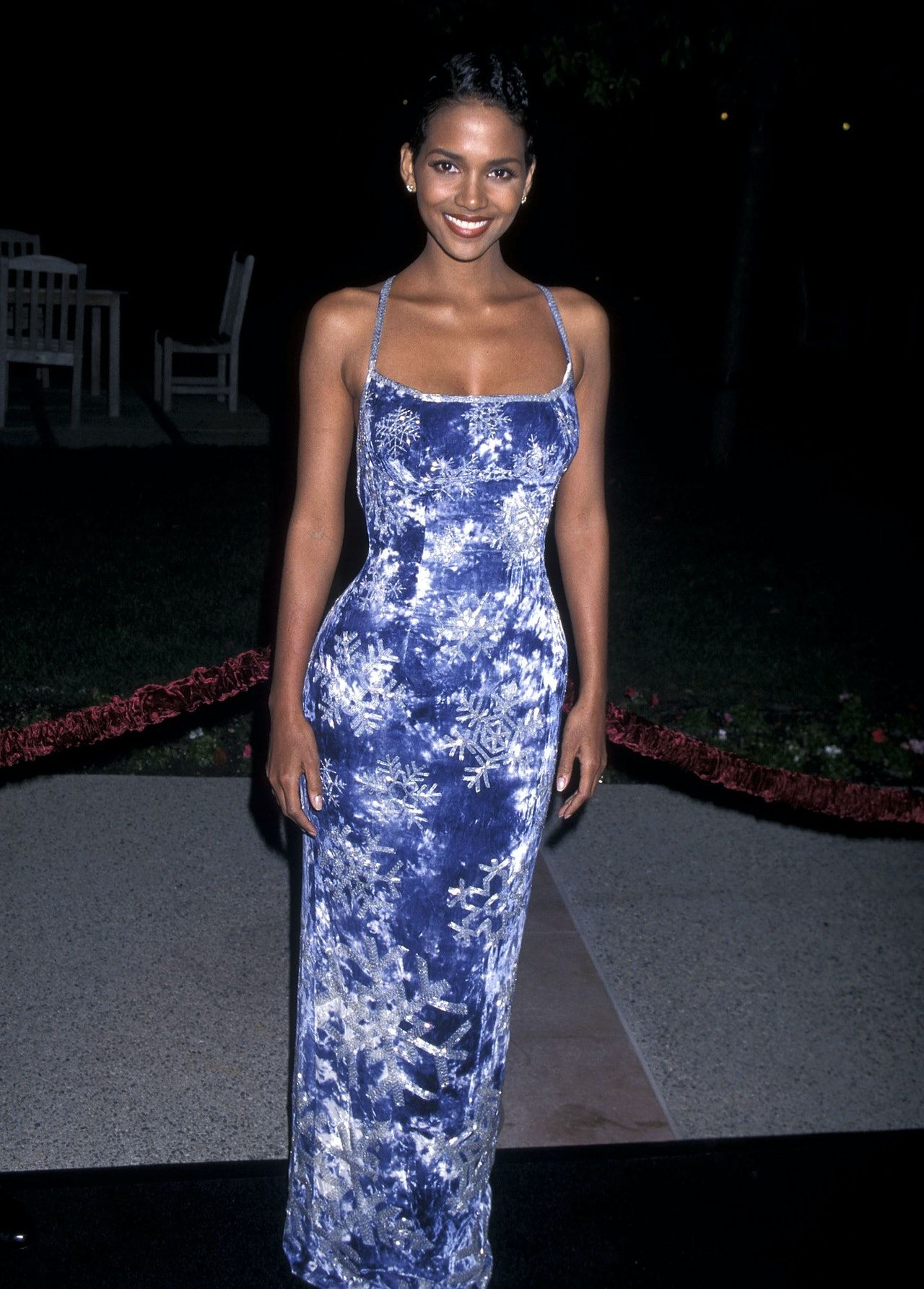 Halle Berry's Iconic Dress From 1995 Is SO On-Trend Right Now -   19 style Icons dress ideas
