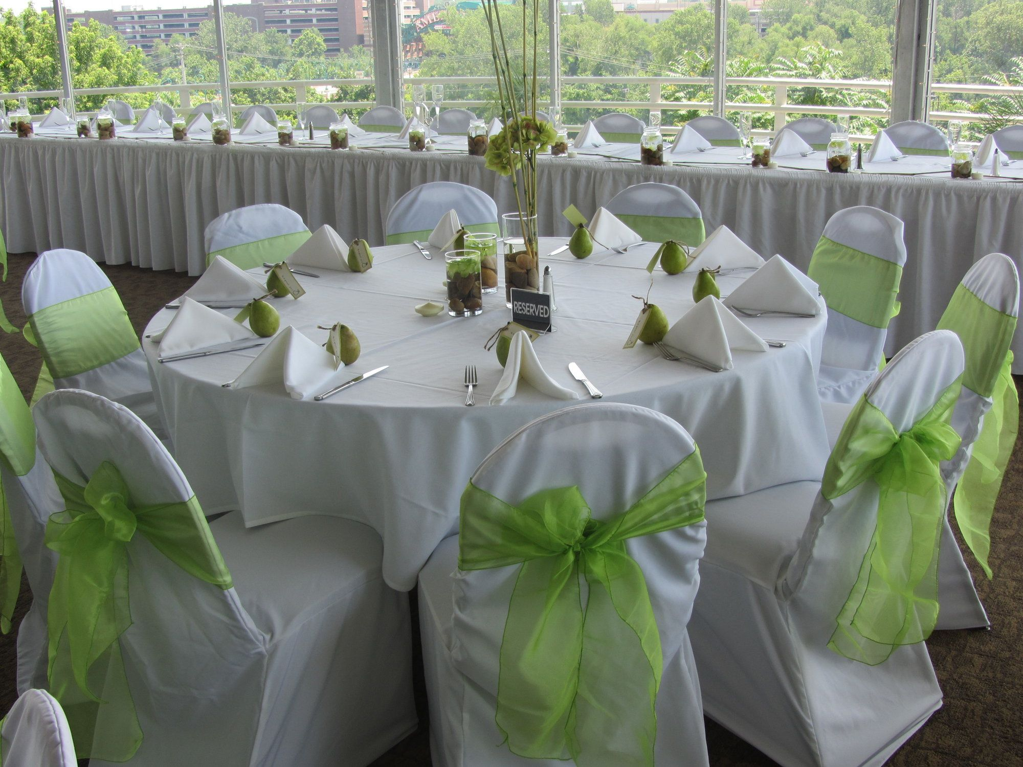Unique Wedding Reception Ideas Green Setting This Picture Provides Some Great
