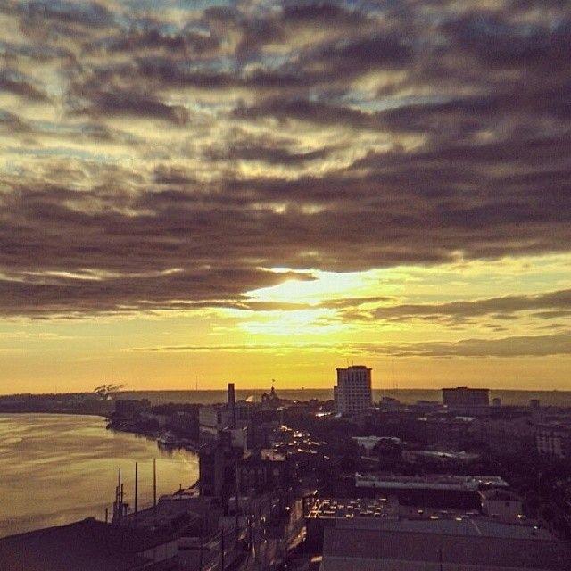Sunset view of Savannah, #Georgia. Photo by @lgeror.