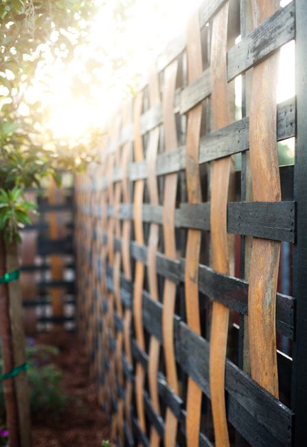 Repurposed Pallet Fence Garden Landscape Design