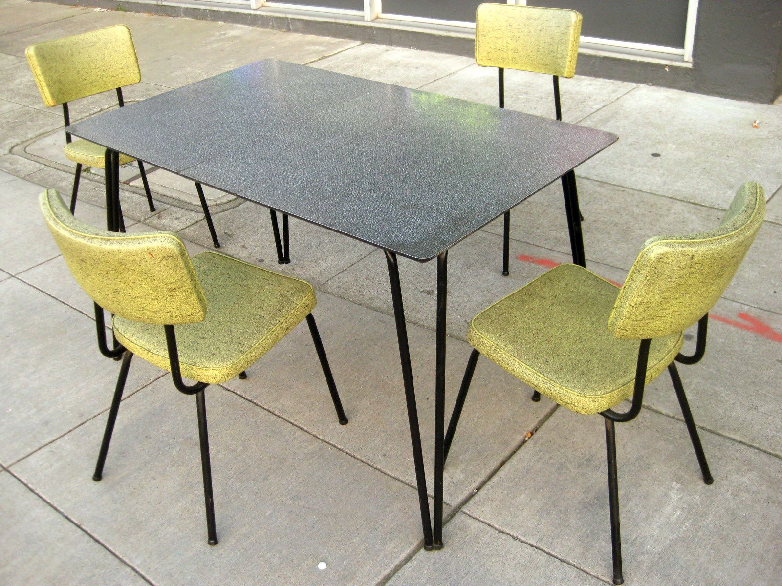 uhuru furniture  u0026 collectibles  sold   1960s kitchen table   chairs    125 uhuru furniture  u0026 collectibles  sold   1960s kitchen table        rh   pinterest com